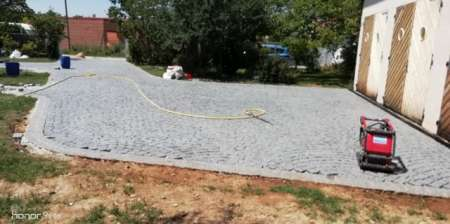 Photo ads/1748000/1748790/a1748790.jpg : Poseur granit calcaire pierre Portugal