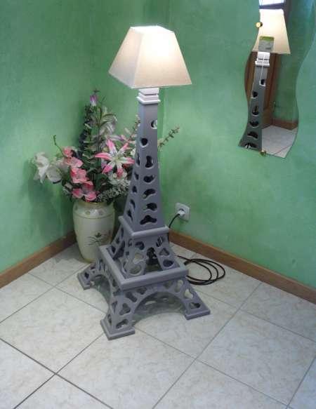 Photo ads/616000/616162/a616162.jpg : maquette de la tour Eiffel