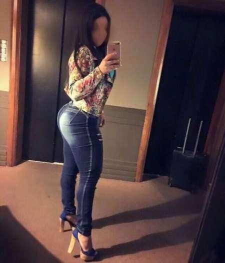 belle cougar escort girl val de marne